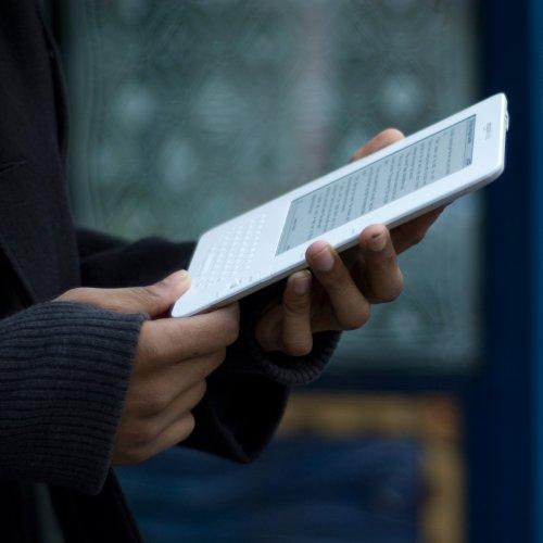 Amazon Kindle 2 In Hand